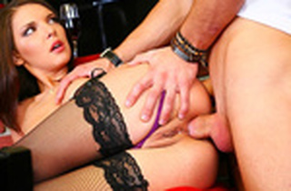 Juicy dark-haired enjoys a molten ass-fuck tights action